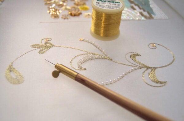 Crochet Luneville détail